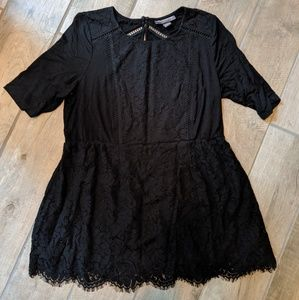 Lace detail maternity top